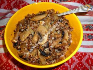 Гречневая каша с грибами фото