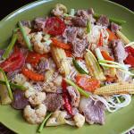 Лапша со свининой и овощами