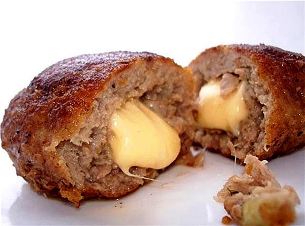 Котлеты картофельные с сыром внутри рецепт с фото