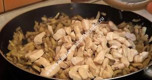 Жульен с курицей и грибами фото пошагово