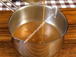 Карамельный соус фото