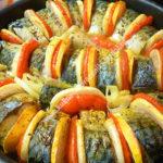 Скумбрия запеченная в духовке с овощами