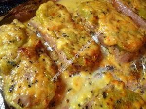 Праздничное блюдо из свинины фото