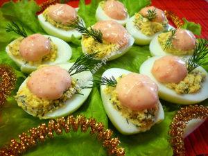 Вкусные фаршированные яйца фото