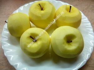 Яблочные оладьи фото