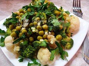 Салат с капустой брокколи фото