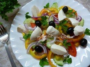 Салат с моцареллой рецепт с фото